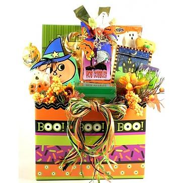 Ghostly Goodies Halloween Basket (Large)