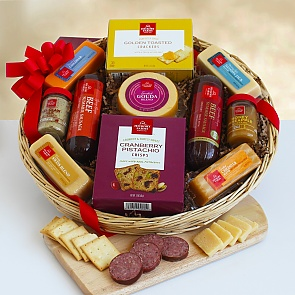 Holiday Favorite Meat and Cheese - Holiday Favorite Meat and Cheese #ChristmasGiftBasket