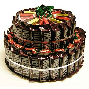 Hershey's Candy Bar Cake - Send Candy Bouquets #ChocolateBarBouquet