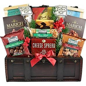 A Rocky Mountain Christmas Gift Basket - A Rocky Mountain Christmas Gift Basket #ChristmasGiftBasket #RockyMountainChristmasBasket